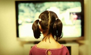 Η τηλεόραση εμποδίζει τα παιδιά να αναπτύξουν σωστή ομιλία