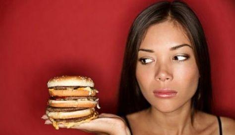 """Τί τροφές προτιμάμε στα """"δύσκολα"""";"""